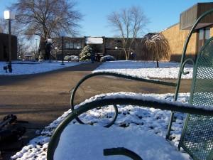 Campus-snow 1-06 040